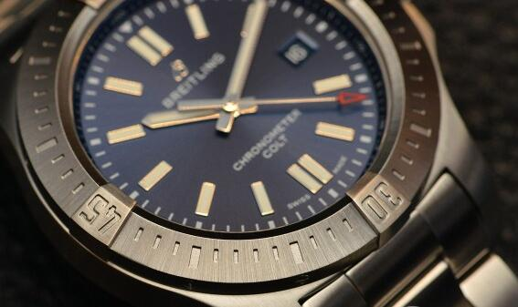 Their blue dials have neat and distinctive features, appealing to most modern males.