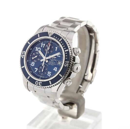 The Breitling Superocean collection has an excellent water-resistance.