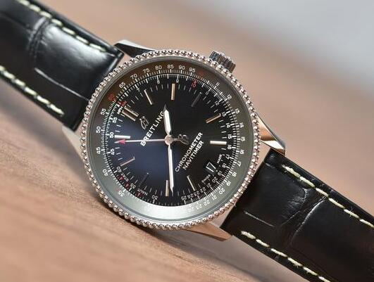 With the black dial and black leather strap, the timepiece looks stable.