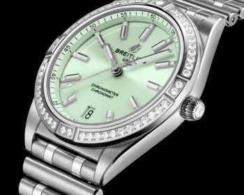 Swiss fake Breitling watches are delicate with steel material.