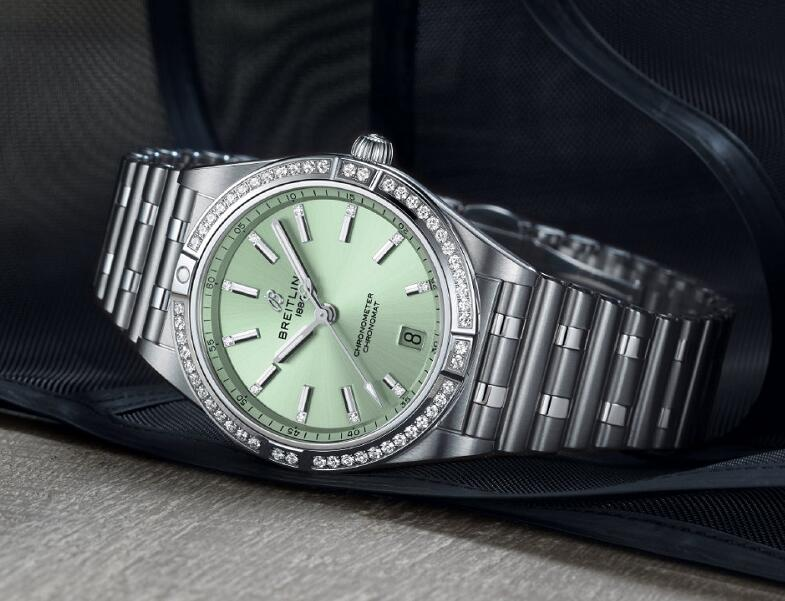 New Breitling Chronomat replica watches enhance fashion with light green color and diamonds.