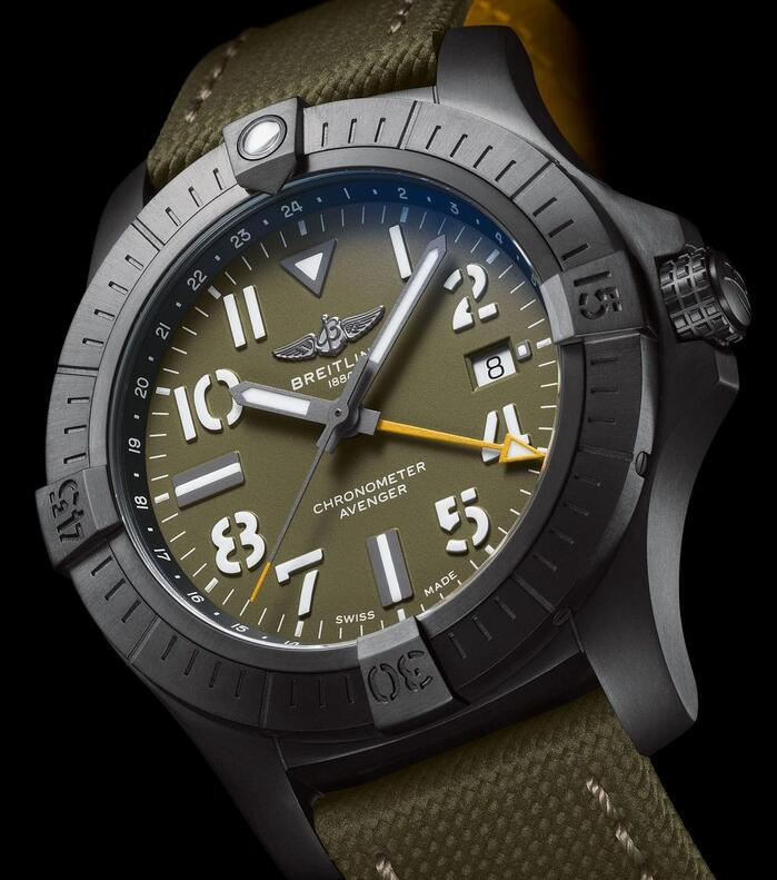 Online fake watches are covered with DLC coating for the titanium cases.
