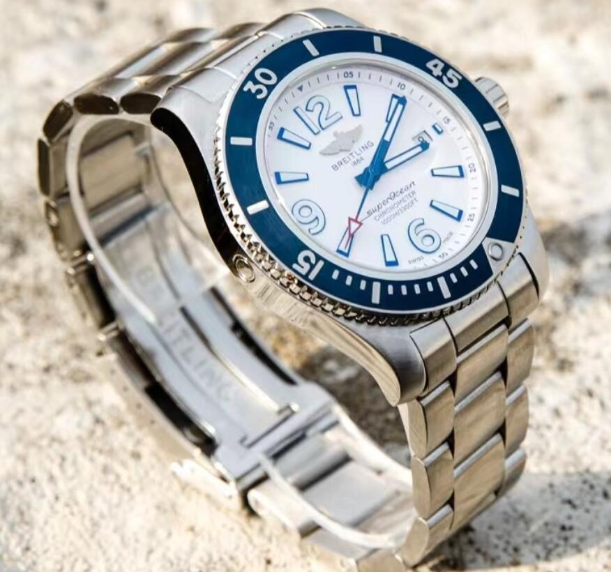 1:1 quality replica watches are evident with the coordination of blue and white colors.