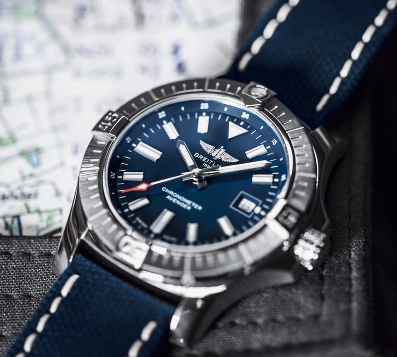AAA fake watches maintain the best reliability with steel material.